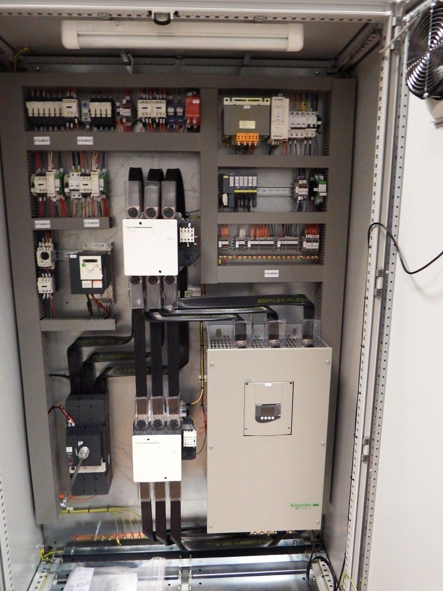 Schemi Elettrici Quadri Dab : Quadri elettrici synergy automazioni